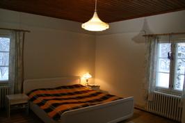 Makuuhuone (alakerta)
