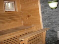 kuva talon saunan sisältä.