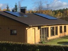 Aurinkopaneelit ja aurikokeräimet