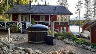 Routaeristetty kylpypaljun paikka