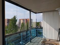 Iso lasitettu parveke, 10 neliötä, avarin näkymin kolmeen ilmansuuntaan