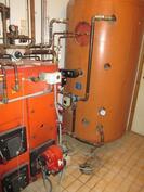 Lämmityslaitteisto, öljykattila ja varaaja