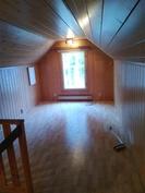 Yläkerran 2 makuuhuone