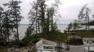 Kuva terassilta järvelle