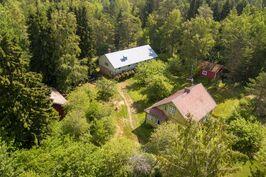 Talo ilmasta kuvattuna