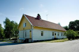 Talo kuvattu Satakunnantien suunnasta