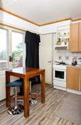 Kuva asunnon keittiöstä