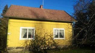 Talo Rantatien puolelta kuvattuna
