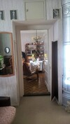 Kuvassa huoneiden välinen ovi