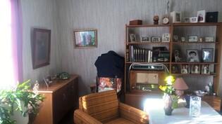 Kuva alakerran huoneesta