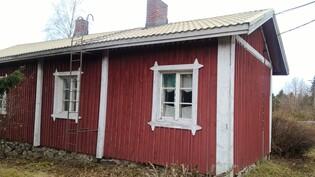 Talon vanhan osan kuva Pälpäläntien puolelta kuvattuna