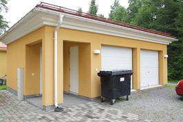 Autotalli 2 autolle ja varasto